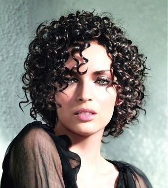 Короткие стрижки на кудрявые волосы фото — Сообщество парикмахеров