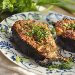 Cheesy eggplants with Labneh