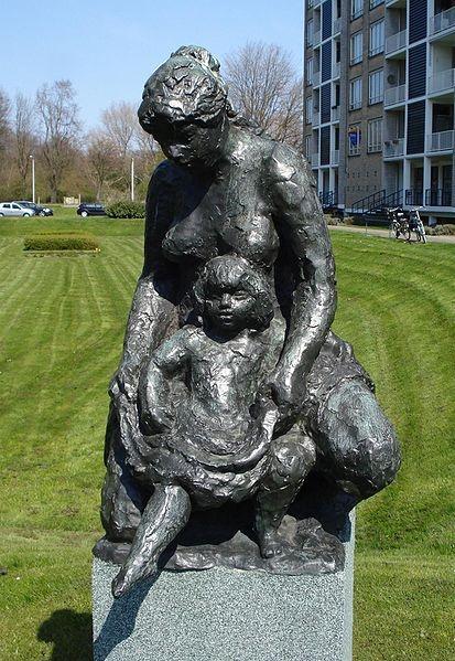 Den haag kunstwerk moeder en kind