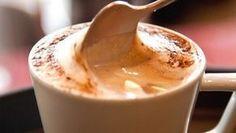 Aprenda a fazer capuccino caseiro e dê um toque especial ao seu café da manhã. Cappuccino caseiro cremoso.