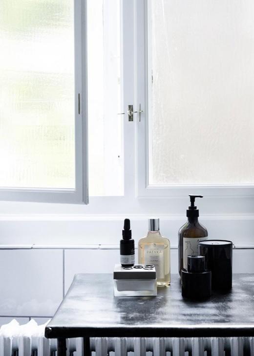 STIL INSPIRATION: Yvonne Konés Home | photo Line KleinCopenhagen, Interiors, Beauty Products, Google Search, Yvonne Koné, Yvonne Koning, Bathroom Style, Bathroom Stuff, Beautiful Products