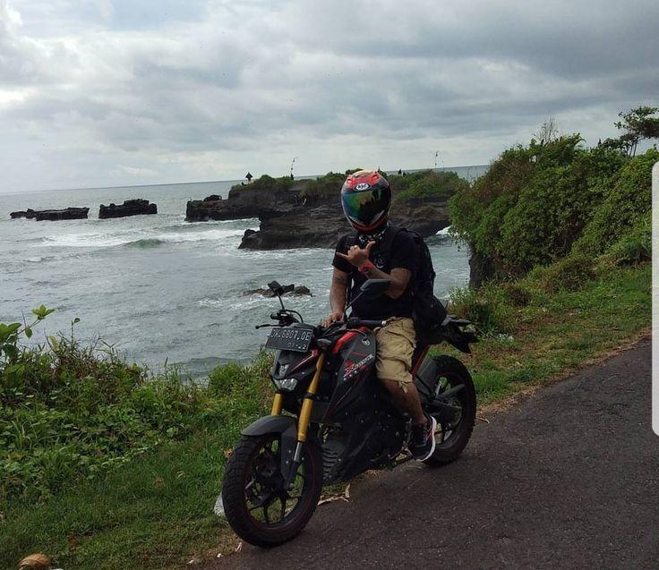 Pura putra Dalem batu ngaus Tabanan Bali Yamaha xabre Indonesia  Agung dana ramdhana