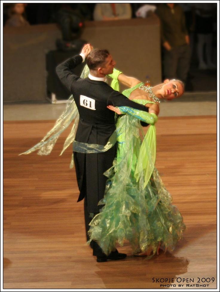 International Standard Tango !   Grrrr....  :)    (Ballroom dance, dancesport)