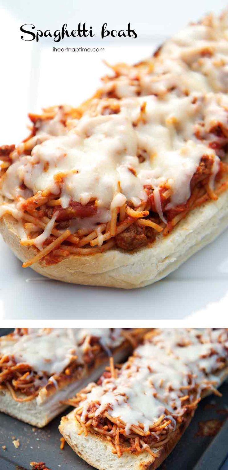 CHEESY spaghetti boats ...made with leftover spaghetti and garlic bread! Easy and delicious dinner idea!