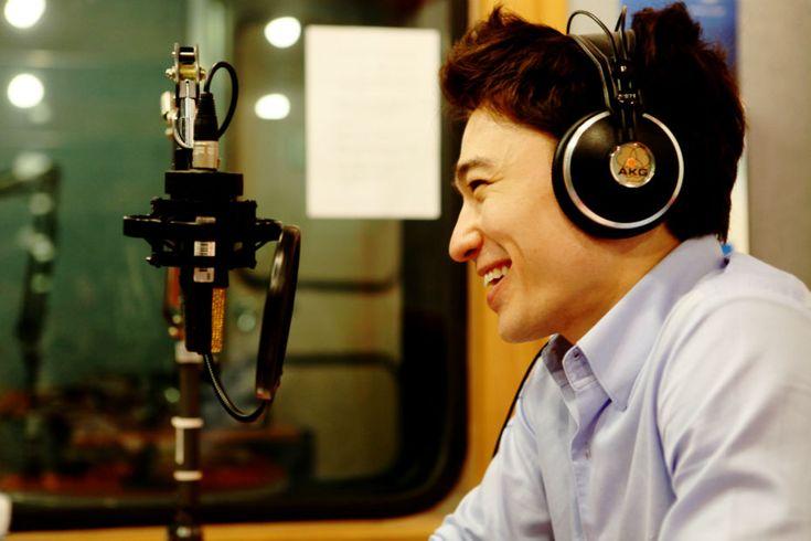 Adrien Lee, MC at Arirang TV and Radio