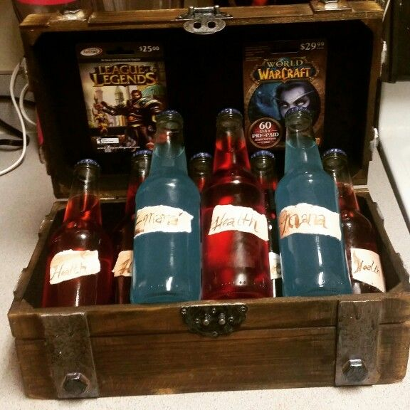 League Of Legends And World Of Warcraft Nerdy Alcohol Gift