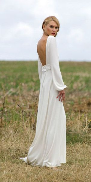 Long sleeve wedding gown with low back gives an effortlessly chic look. Agapan by Delphine Manivet. Available at Anna DaFonte, Sydney www.annadafonte.com
