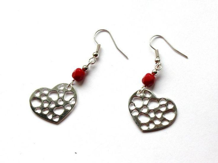 Kolczyki z sercami w Especially for You! na http://pl.dawanda.com/shop/slicznieilirycznie #kolczyki #earrings #crystals #kryształki #handmade #DaWanda #hearts #serca
