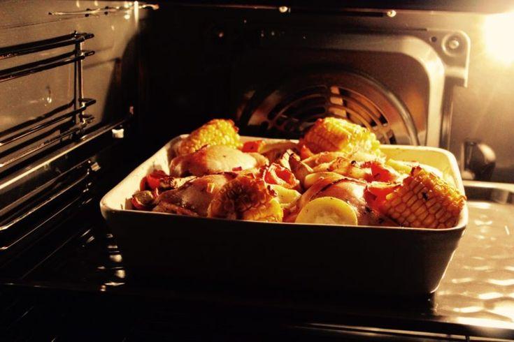 Kurczak tulony warzywami prosto z piekarnika - zgara.pl #kurczak #chicken #vegetables #przepis #recipies #food #healthyfood #health #poland #polska #jedzenie #gotowanie