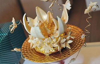 The world's most expensive desserts - DOTWNews.com4 Crazy! Dom Perignon Jelly Donut, Krispy Kreme Price: US $1,677