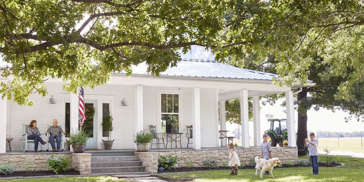 See How a Run-Down Texas Farmhouse Became This Family's Country Dream: A Texas couple breathes new life into their 100-year-old home with a savvy approach to all things salvage.
