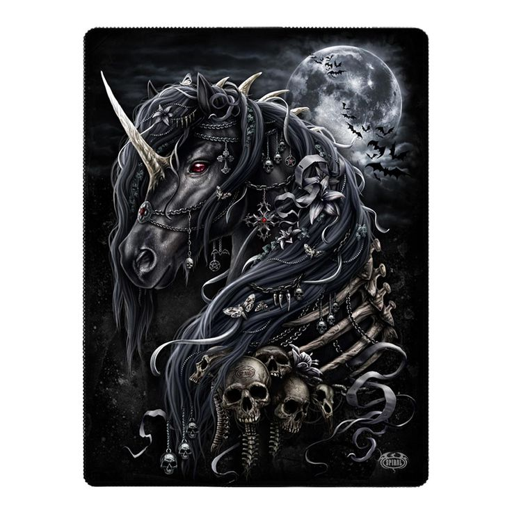 Gothic Fleece Wohndecke im Mystic Look – Dark Unicorn