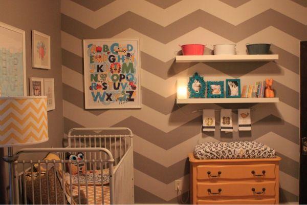 quarto de bebê unissex colorido