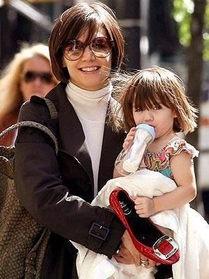 suri-cruise-and-katie-holmes-picture