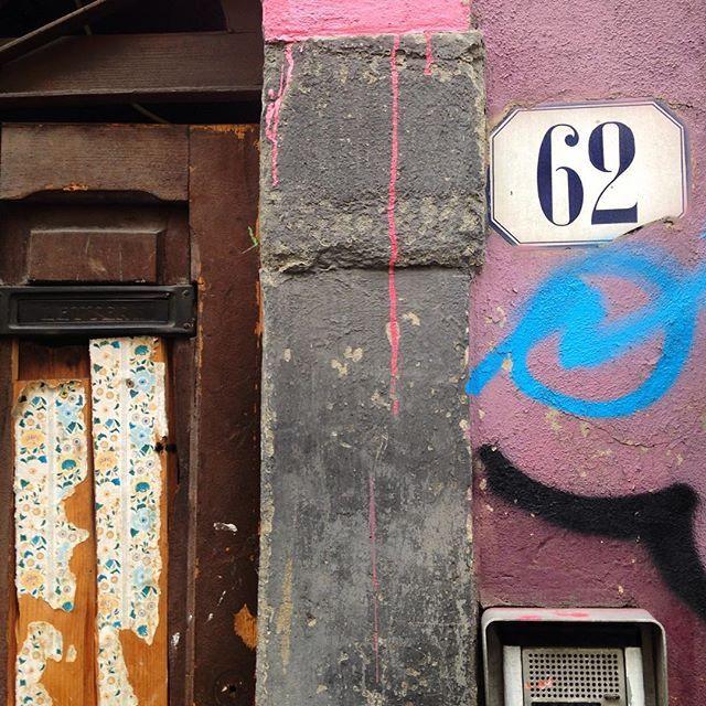 Street Texture-  Study (1) #streetexture #collage #collagegarage #print #artinitaly #firenzeart #firenze #Oltrarno #christinegarvey  @christine.garvey