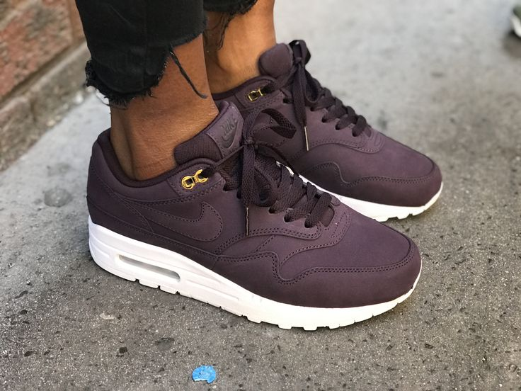 Nike Air Max 1 Trainers Port Wine White Exclusive £110.00