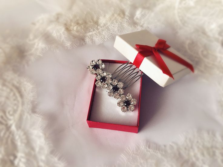 Flowers comb, bridal comb, swarovski crystal comb, weddding comb, flower wedding bridal comb
