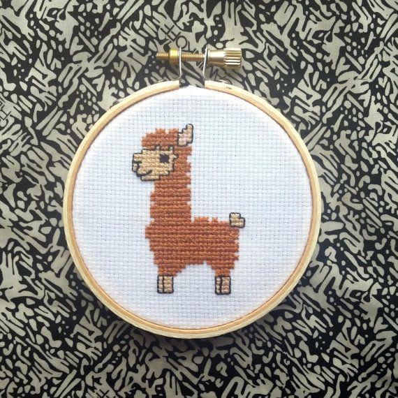 PATTERN: Cute Alpaca Cross Stitch Pattern por jimjamcrafts en Etsy
