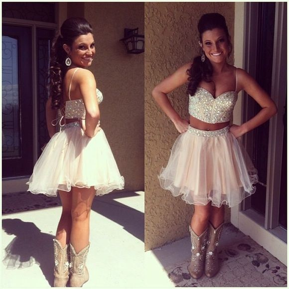 2 piece formal dress My absolute favorite dress I ever wore!!! So cute , hate to give it up but I just don't have anymore use for it :( always open to offers! Sherri Hill Dresses Prom