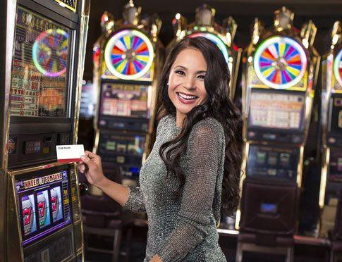 Игровые автоматы на деньги с выводом на карту.  Если вы любите проводить время за игровыми автоматами не только ради интереса, но и чтобы выиграть вполне реальные деньги, необходимо знать как выводить деньги на карту. Прежде всего необходимо правильно выбрать к�