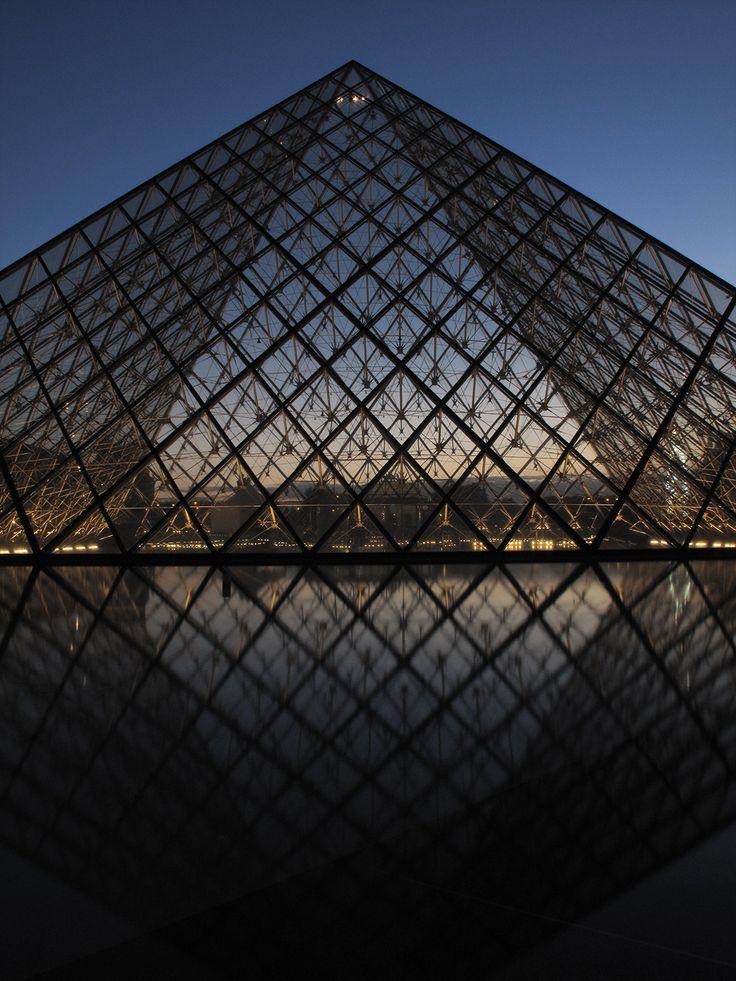 Mystical building, Louvre Pyramid, Paris by avg