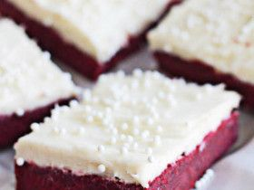 red-velvet-sugar-cookie-bars-1titl.            These look awesome!! Maybe for valentines day teacher appreciation?!