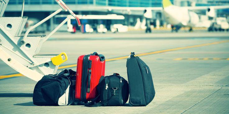 Как уместить максимум в ручную кладь и не переплачивать за багаж - http://lifehacker.ru/2016/06/27/luggage-packing/
