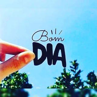 Instagram photo by franximenes_poesia - Porque o que importa é exatamente isso: que você esteja sentindo-se bem, em paz e feliz..! ________FranXimenes Aposte na sua felicidade! Lindo dia!! Feliz semana!! @franximenes_poesia ☀✌✌