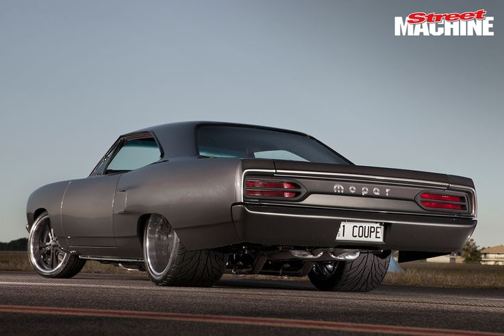 Pro Touring Plymouth Road Runner http://www.musclecardefinition.com/