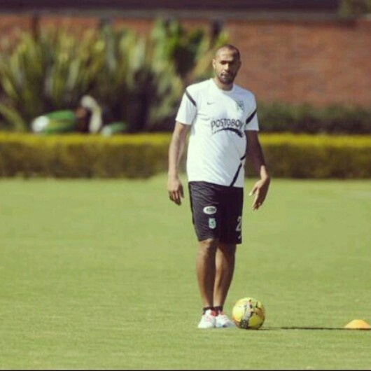 Thierry Henry entrenando en Atletico Nacional de Medellin