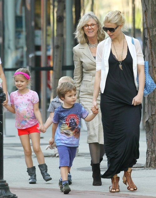 Blythe Danner with daughter, Gwyneth Paltrow,and her grandchildren.