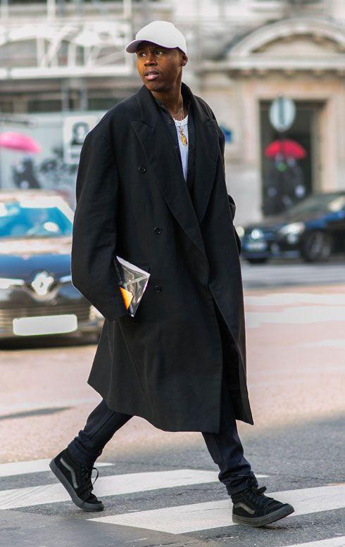2016-04-13のファッションスナップ。着用アイテム・キーワードはキャップ, コート, スニーカー, 黒パンツ,VANS(バンズ)etc. 理想の着こなし・コーディネートがきっとここに。| No:143347