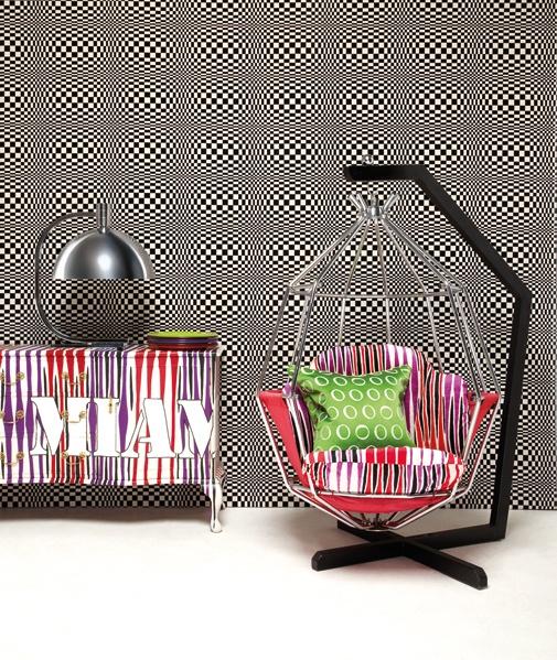 Bu çılgın kumaşlar bizce özellikle yastık, tekli koltuk veya sandalye gibi küçük mobilyalarda harikalar yaratıyor.
