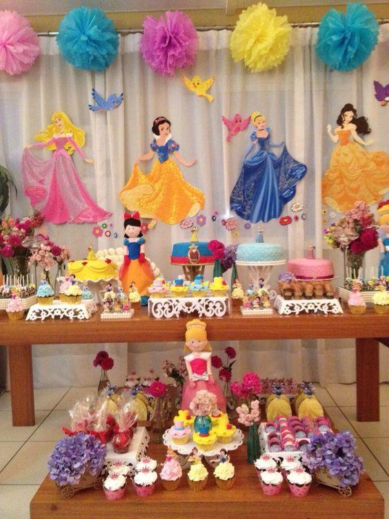 Decoracion de mesa principal fiesta lu fiesta de - Decoracion fiesta princesas disney ...