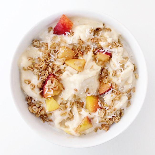 peach ice cream with toasted granola // clean food dirty city (gluten free, vegan)