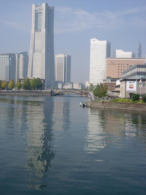 横浜のランドマークと万国橋。万国橋の見所。