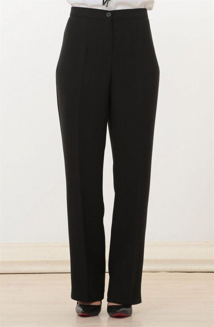 """Soral Pantolon-Siyah 1671-01 Sitemize """"Soral Pantolon-Siyah 1671-01"""" tesettür elbise eklenmiştir. https://www.yenitesetturmodelleri.com/yeni-tesettur-modelleri-soral-pantolon-siyah-1671-01/"""