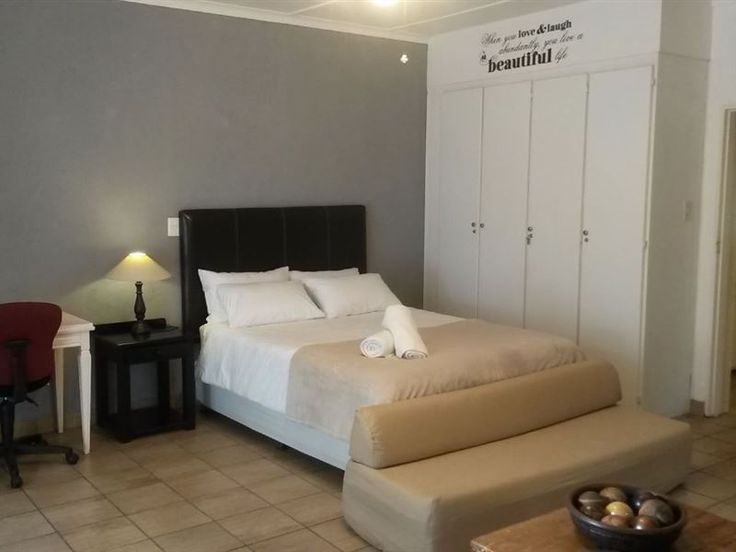 42 on Republiek - 42 on Republiek is situated in a quiet crescent in Nelspruit / Mbombela with a large garden and swimming pool to enjoy. This spacious room and full bathroom have their own separate courtyard entrance and ... #weekendgetaways #nelspruit #lowveldlegogote #southafrica