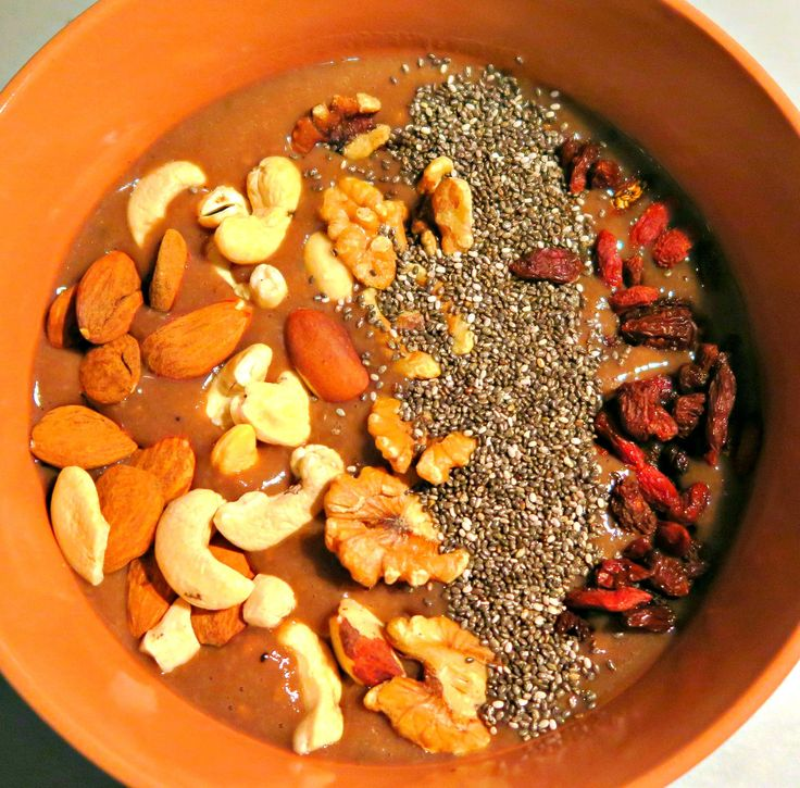 Pohanková kaše s ořechy, chia a goji / Buckwheat porridge with nuts, chia and goji |