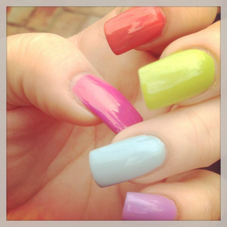 Summer nails - bright and cute! #neon #nails #bright