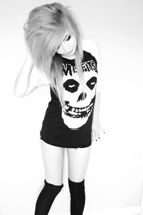 Is there some magical being out there that can make me look like this and give me that shirt x_x