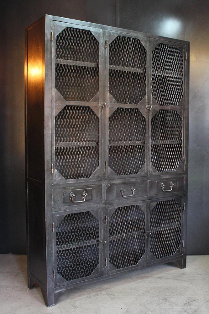 Meuble D Atelier Metallique Ideal Comme Garde Manger Pour Cuisine Jolis Details De Portes A Pans Coupes P Deco Loft Industriel Mobilier De Salon Meuble Metal