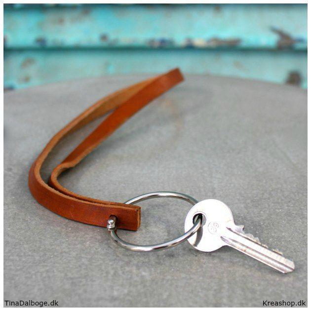 DIY Lav selv en rå nøglering / keyhanger af læder