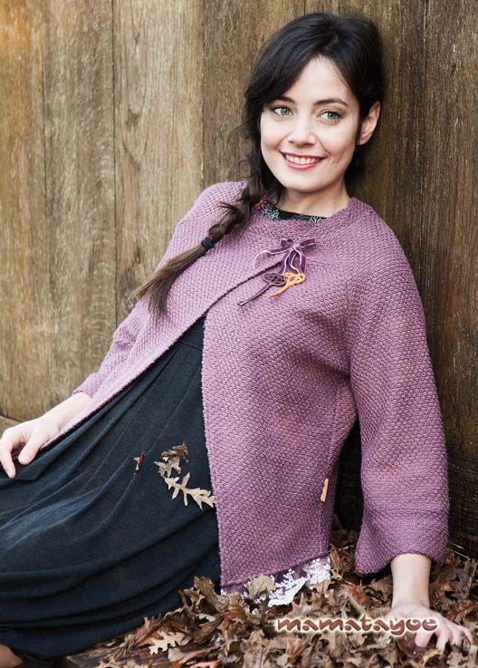 Sweater: Frailecillo / Dress: Lunaria. www.mamatayoe-shop.com