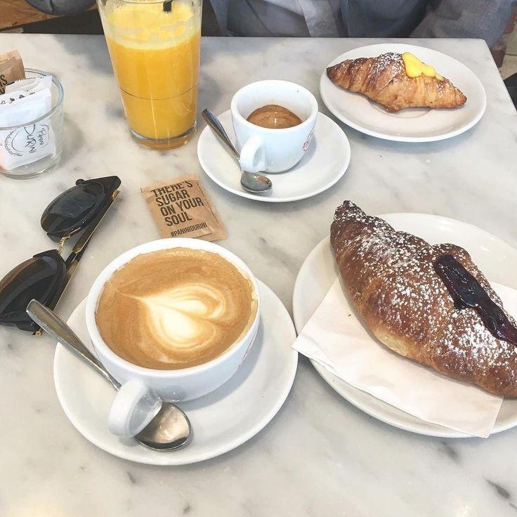 Are you a cappuccino or an espresso kind-of-person in the morning? // renatevillas.com