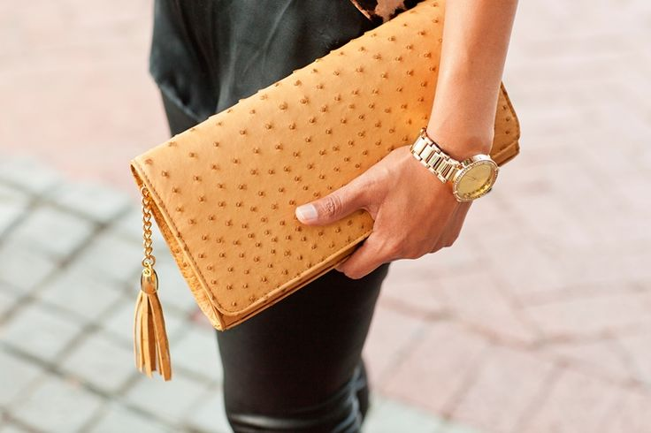 Veneza clutch handbag in Champagne brown. Soft to the touch, ostrich leather. www.pedicollections.com