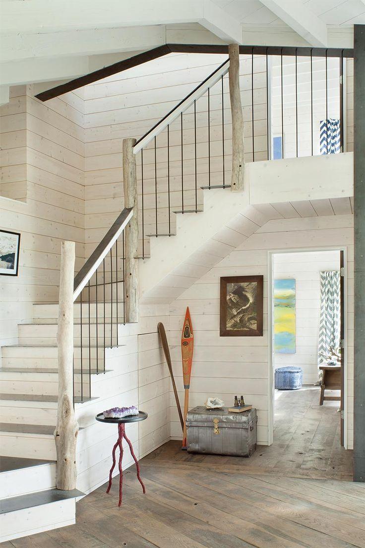 une rampe descalier en bois lasur blanc et bois flott esprit bord de mer - Decoration Escalier Interieur Maison