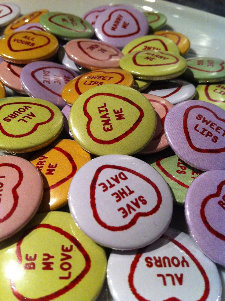 Save the Date, savethedate love heart 25mm button pin badges. Phrases can be customised to your specification.