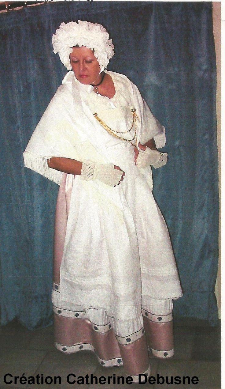 Mariée de Franche Comté. Lire mon livre sur les Costumes traditionnels de Comté, pour en connaître les détails