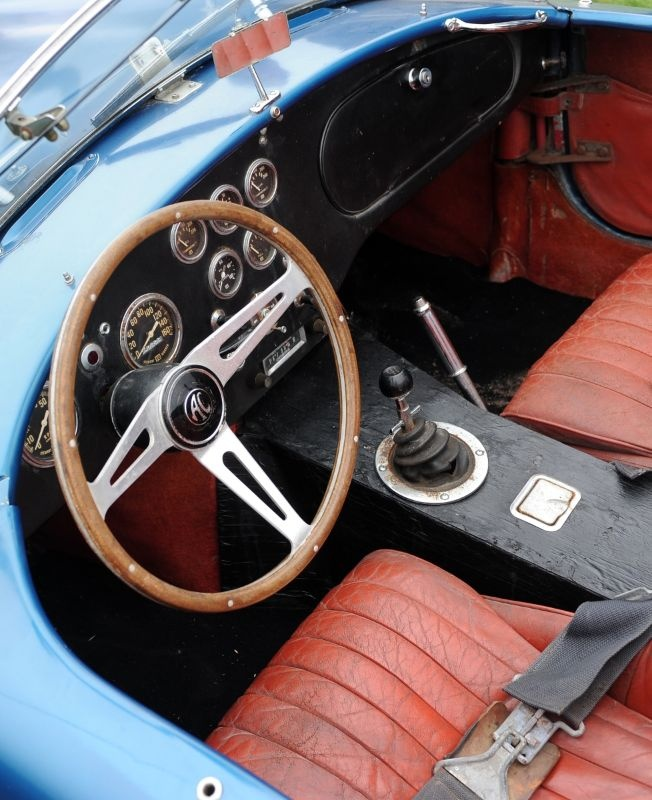 Vintage Sports Car Racing Seat, vertical tufted. | Dream car ...
